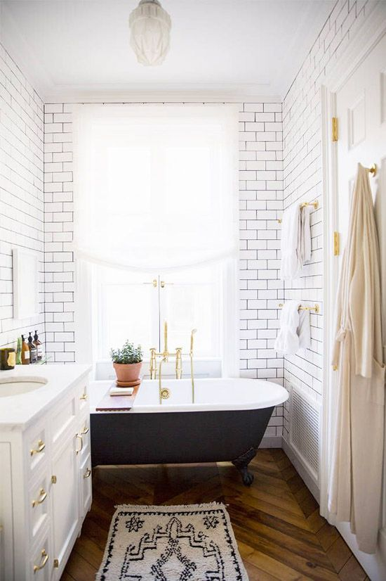 From DLF: WEEKEND AT HOME / 04 - This is a bathroom you can relax in! #design #renovation #R&R