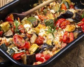Folie légère de légumes au parmesan : http://www.fourchette-et-bikini.fr/recettes/recettes-minceur/folie-legere-de-legumes-au-parmesan.html