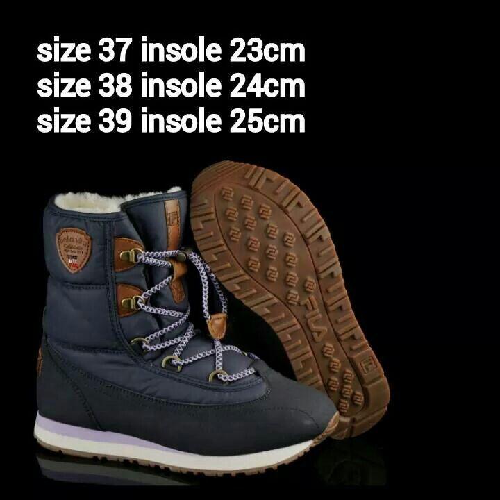 READY STOCK KIDS/WOMEN WINTER BOOTS KODE : TORY BLUE Size 37,38,39 PRICE : Rp.350.000 DETAIL SIZE (insole) : - Size 37 (23cm) - Size 38 (24cm) - Size 39 (25cm)  Material : Kulit sintetis lentur,Sol karet lentur, Dalam bulu2. Ringan dan nyaman utk anak-anak maupun dewasa :)   Insole = panjang sol dalam. Ukurlah panjang telapak kaki anak, beri jarak minimal 1,5cm dari insole, utk dewasa cukup 0,5-1cm :)   FOR ORDER : SMS/Whatsapp 087777111986 PIN BB 766A6420 Facebook : Mayorishop…