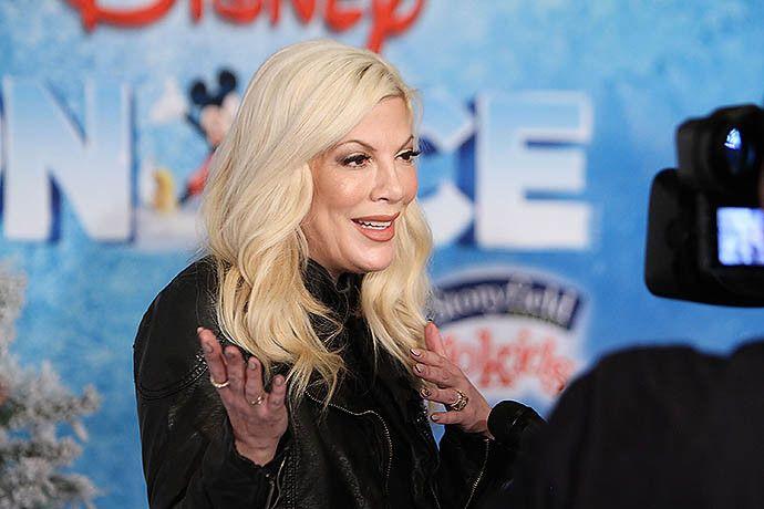 Тори Спеллинг находится на грани банкротства - http://russiatoday.eu/tori-spelling-nahoditsya-na-grani-bankrotstva/ Актриса задолжала банкам десятки тысяч долларовЗвезда популярного в 1990-х сериала «Беверли-Хиллз 90210» Тори Спеллинг оказалась в сложнейшем материальном положении: актриса, реал