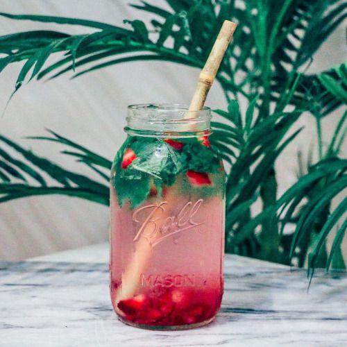 radiantplantlife:  V I T A M I N • W A T E R  Crushed strawberries, fresh mint, vegan B12 drops & spring water. #radplantlife