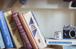 Så skal der igen fyldes på boghylderne