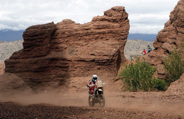 KTM rider Marco Brioschi of Italy rides during the 11th stage of the Dakar Rally 2015 from Cachi to Termas de Rio Hondo January 15, 2015. (Photo by Jean-Paul Pelissier/Reuters)