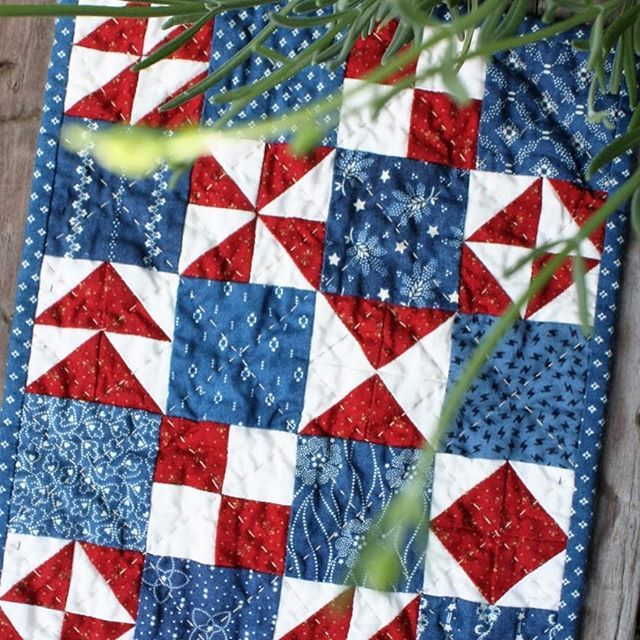 "Happy Indepedence Day from @temeculaquiltco #freedom #summersewingbasket.  A whole quilt like this with 4"" blocks would be so cute."