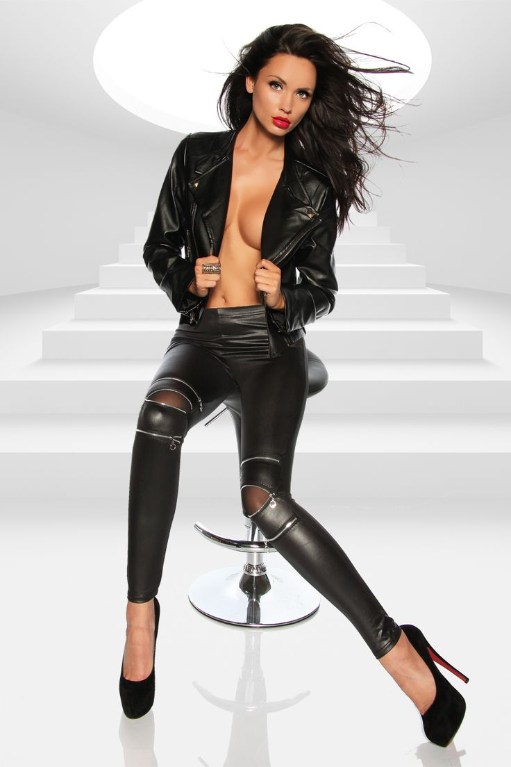 wear clothes Geile Milf Sasha and stop me! over