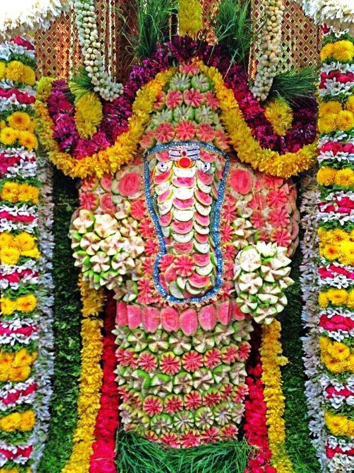 Lord Ganesha made of Peru fruit Lord ganesha, Ganesha