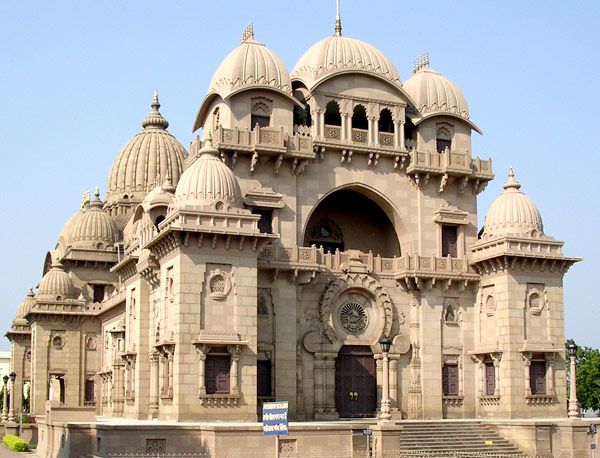 "Ramakrishna_Belur_Math,_Howrah  Welcome to ""The city of Joy"" and the capital of West Bengal to discover some of the best places in Kolkata."
