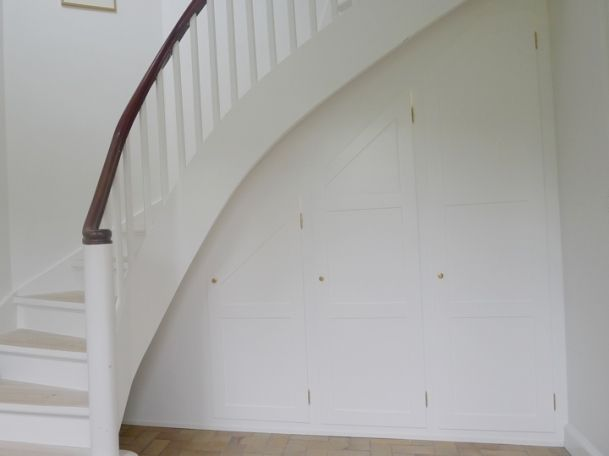 indbygget-skab-under-trappe-1.jpg (609×456)