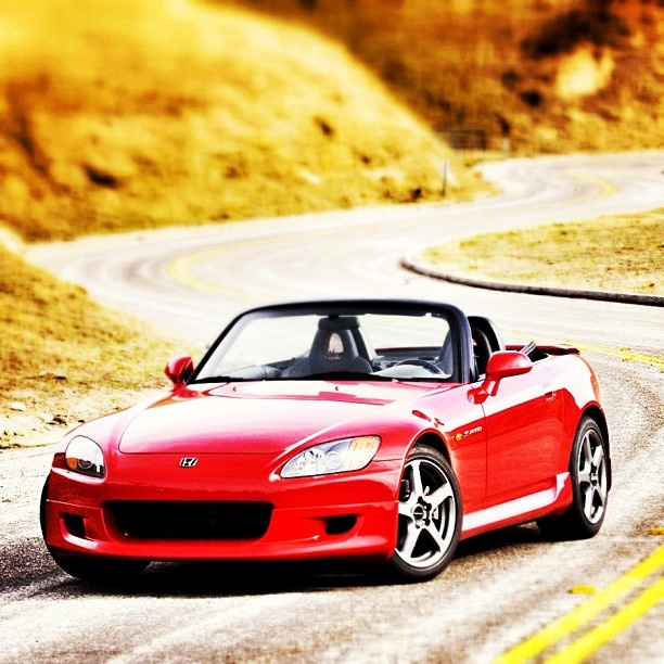 A Sportscar That Is Sadly Missed. Honda, We Need A New S2000. #