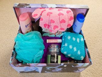 The Women's Pamper Pack is designed for the woman who has everything ... but needs to relax a little more!