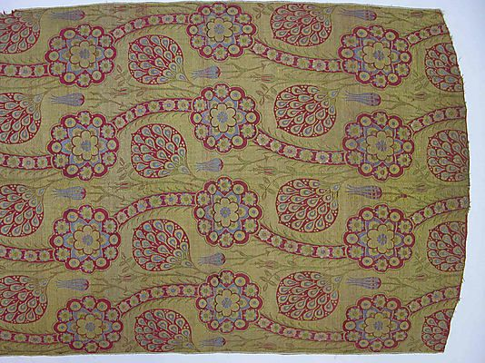 Silk Fragment with Wavy-vine Pattern on Green Ground  16th century   Turkey, Bursa or Istanbul  Spectacular large-pattern silks were favored by the Ottomans court in Istanbul.