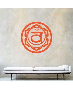 2.Swadhisthana: Το ιερό τσάκρα βρίσκεται ακριβώς κάτω από τον αφαλό μας στην κατώτερη κοιλιακή περιοχή μας. Το χρώμα αυτού του τσάκρα είναι βαθύ, κορεσμένο πορτοκαλί και σχετίζεται με την αναπαραγωγή σε φυσικό επίπεδο, τη δημιουργικότητα, τη χαρά και τις σχέσεις σε συναισθηματικό επίπεδο. Ακόμη σχετίζεται με την ενέργεια και τα πάθη μας σε πνευματικό επίπεδο.
