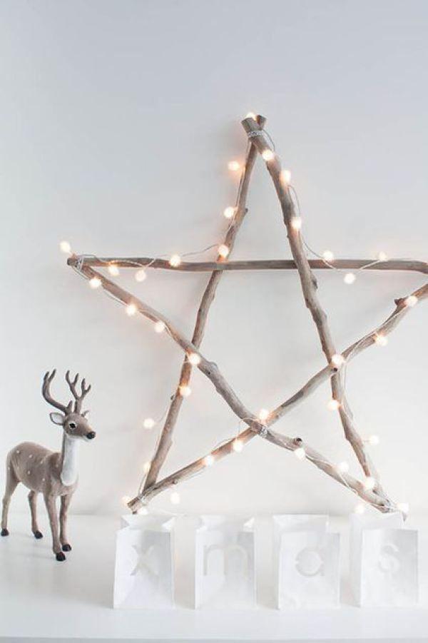 décoration de noël nordique scandinave blanc et bois étoile guirlande lumineuse