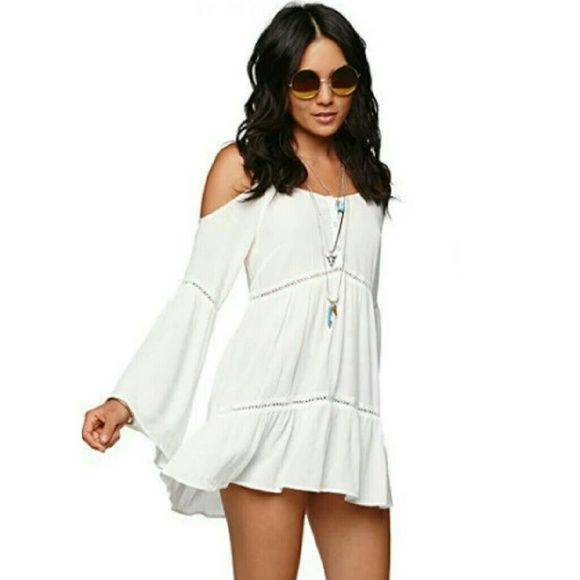 Kendall and Kylie Pacsun Shoulder Cut Tunic Dress Has a very beautiful design, and perfect for the summer! Never worn, it didn't fit me I'm too tall and looked more like a blouse. This is a sold out dress from the Kendall and Kylie Collection. Kendall & Kylie Dresses Mini