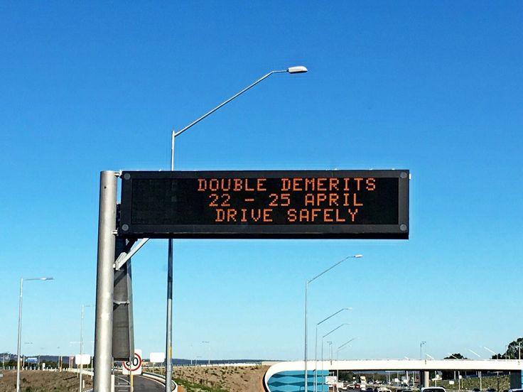Selama musim liburan Pemerintah Western Australia terapkan denda bayar double bagi pelanggar lalu lintas di jalan toll, Kwinana Freeway, Minggu (24/4/2016)