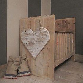 cuna de madera reciclada...  www.almacen5.es