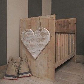 10 best images about cunas con palets on pinterest - Muebles madera reciclada ...