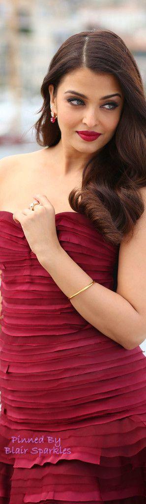 (Oscar De La Renta) CANNES 2015 Aishwarya Rai Jazbaa Photocall | ♕♚εїз BLAIR SPARKLES                                                                                                                                                      More