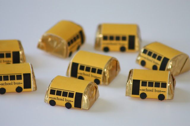 School Theme or Bus Driver Appreciation FREE printables to wrap around Hershey's Nugget candy bars...so cute!