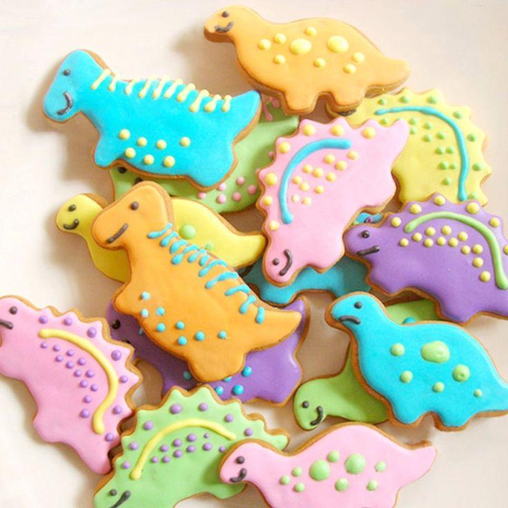 Risultati immagini per immagini di biscotti a forma di dinosauri