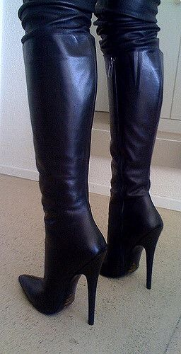 Rosina's new italian boots