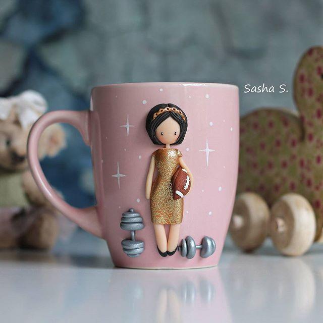 Необычное сочетание, правда?) вечернее платье, диадема, гантели и мяч для регби  #пластика #кружканазаказ #кружка #девочка #хобби #хэндмэйд #своимируками #творчество #sweet_craft #polymerclay #cup #girl #cute #art #handmade #hobby #Ижевск #полимернаяглина #подарок #gift #сделанослюбовью #декоркружки #instamom #instamoment #инстамама #волшебство #magic