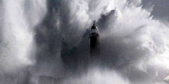 El aumento del nivel del agua afectará al turismo, la actividad portuaria y el efecto de los temporales