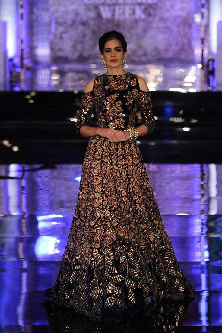 By designer Manish Malhotra. Bridelan- Personal shopper & style consultants for Indian/NRI weddings, website www.bridelan.com #ManishMalhotra #IndiaCoutureWeek2016 #weddinglehenga #Bridelan #BridelanIndia.
