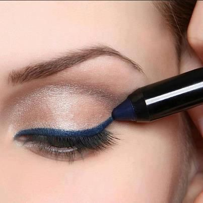Petrol blue eyeliner. Great for brown eyes!