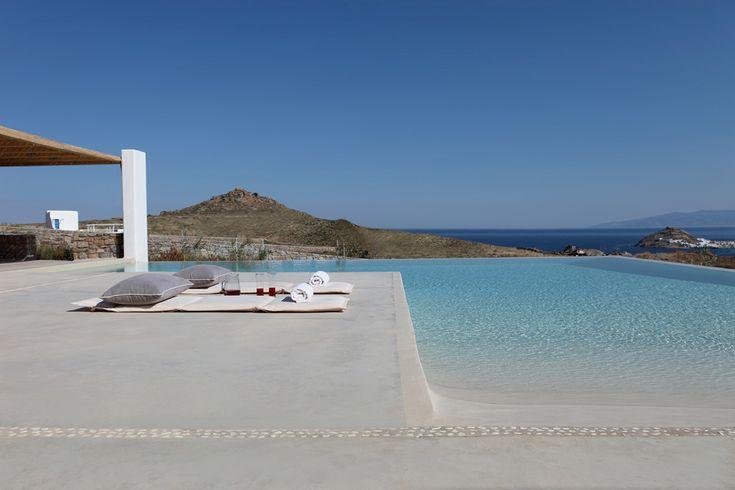 Angle House - Mykonos / Nino Dogiou · Architect