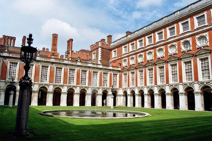 Hampton Court Palace, East Molesey, Surrey, Angleterre | Cour du Jet d'eau