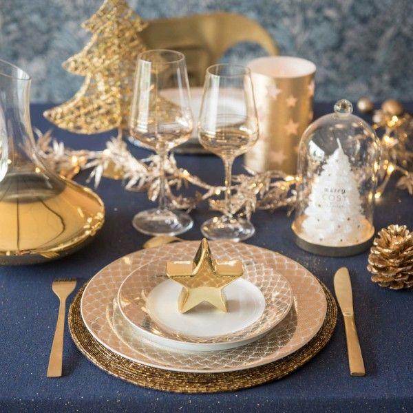 Maisons Du Monde Catalogue Noel 2019 Deco Sapin Table Guirlande Nappe De Noel Tendances De Noel Vaisselle De Noel