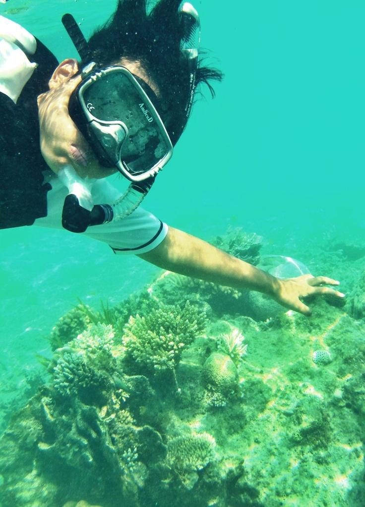 I need buoyancy! Karimun Jawa, Indonesia