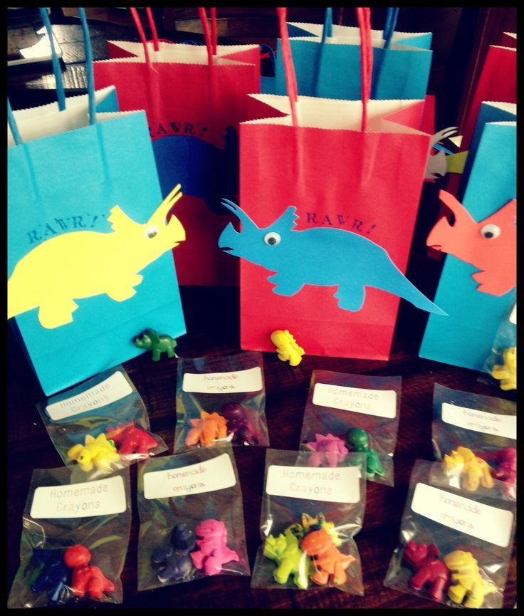 Tolle Idee für die Gastgeschenke zur Dino-Party am Kindergeburtstag. Vielen Dank dafür Dein blog.balloonas.com #kindergeburtstag #motto #mottoparty #kinder #party #idee #gastgeschenk #favor #dino #dinosaurier #giveaway #mitgebsel