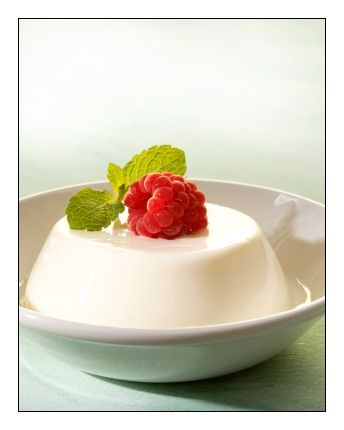 Vanilla Panna Cotta  4 cups heavy cream 1/2 cup (100 grams) sugar 2 tsp of vanilla  2 packets powdered gelatin (4.5 tsp.) 6 TBS (90ml) cold water