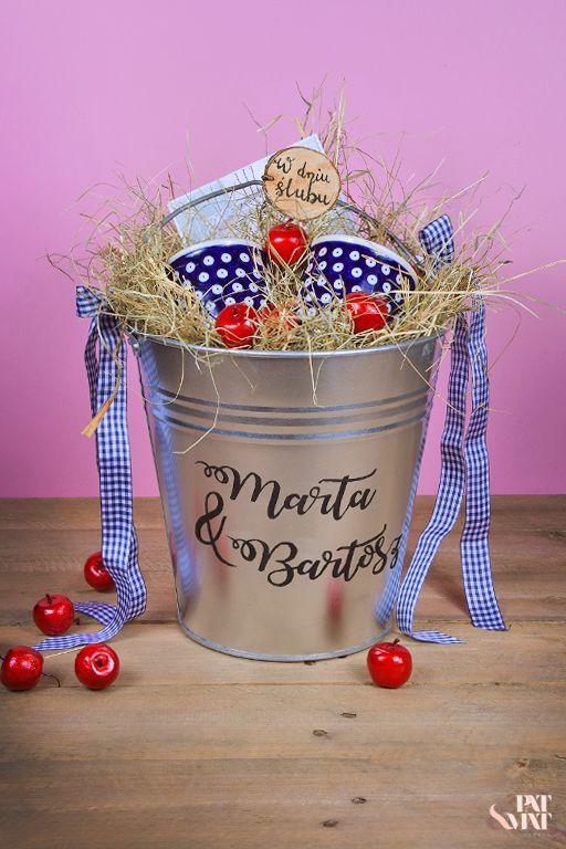 #weedinggift #gift #giftdiy #diy #bucket #ironbucket #boleslawiecpottery #polishceramic s# ceramics