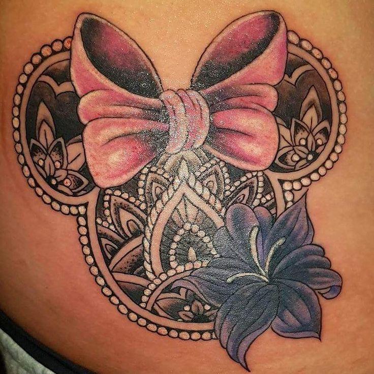 """Mi piace"": 10, commenti: 3 - Lilian Mathieson (@lilgar67) su Instagram: ""New tattoo cover up.. amazing talented lady love it ❤ #painisbeauty #disneytattoo #disney…"""
