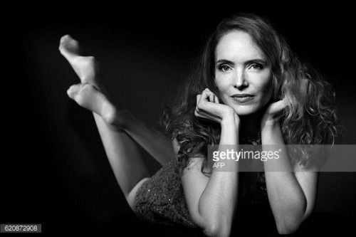 French actress Laura Weissbecker poses during a photo session in... #lodenicecz: French actress Laura Weissbecker poses during… #lodenicecz