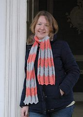 Ravelry: Rimini scarf pattern - two colour version -  by Miranda Jollie in @luxuryyarns Di Lusso