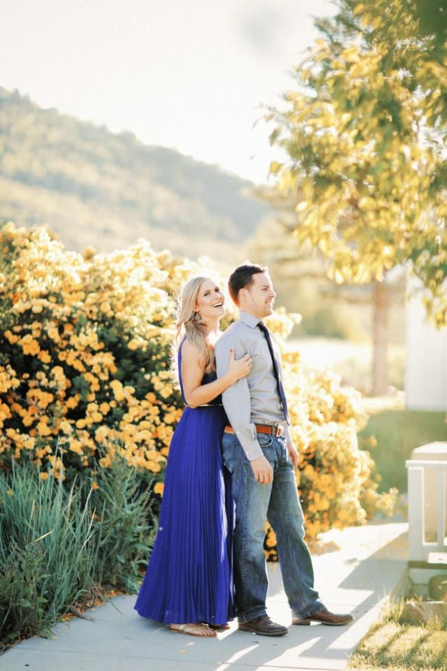 Love is in theair this season, for some wedding inspriation here is a inspiring romantic summer engagement photography session.