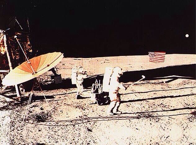 Alan Shepard playing golf on the moon, 1971 [632x470