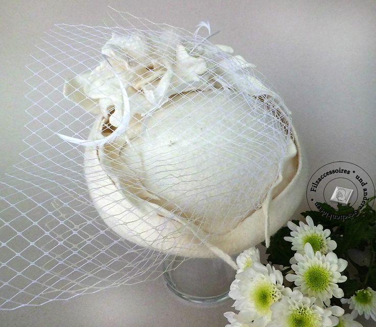 Filzhut Hochzeit Cocktail Hut handgefilzt felted  wool design elegant festlich  ivory linen color hair birdcage veil von Filzaccessoires auf Etsy