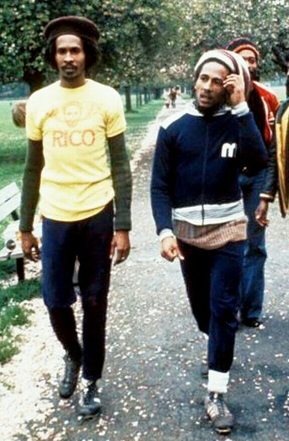 **Bob Marley** & Neville Garrick, Battersea Park, London, UK, March 1977. ►The Wailers square off against The Island Records UK staff. ►►More fantastic pictures, music and videos of *Robert Nesta Marley & His Wailers* on: https://de.pinterest.com/ReggaeHeart/ ©Adrian Boot/ https://www.urbanimage.tv/index ©Fifty-Six Hope Road Music Ltd.