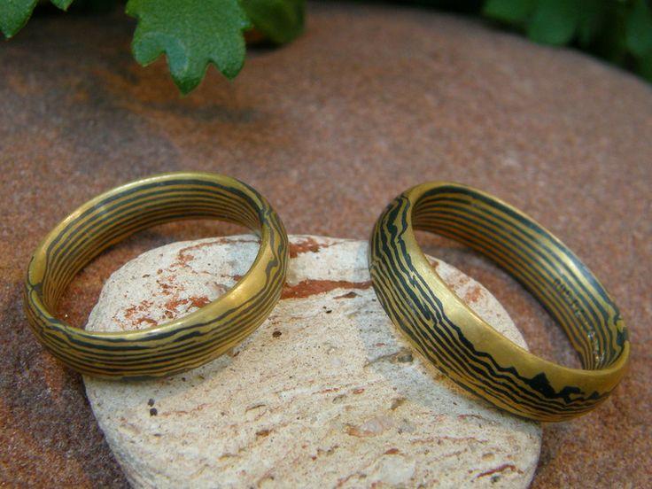 Eheringe – Trauringe Mokume Gane Gold 900 Palladium 500 – ein Designerstück von… – Ringe