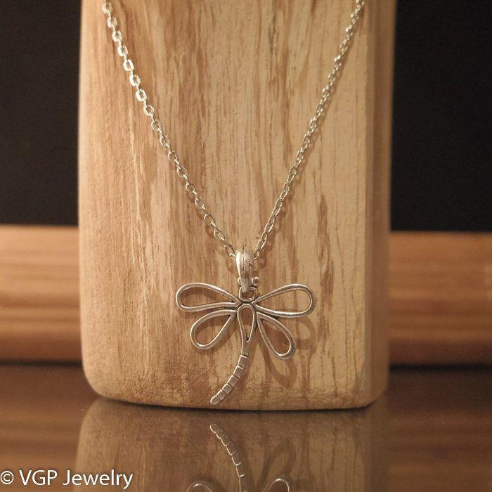 Kleine Libelle Ketting: korte zilverkleurige ketting