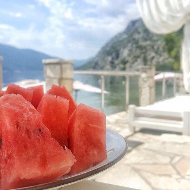No it's not haven, it is Casa del Mare Amfora, but they look alike :) #CrnaGora #Montenegro #hotel #casadelmaremne #travel #dreamdestination #vacation #beach #watermelon