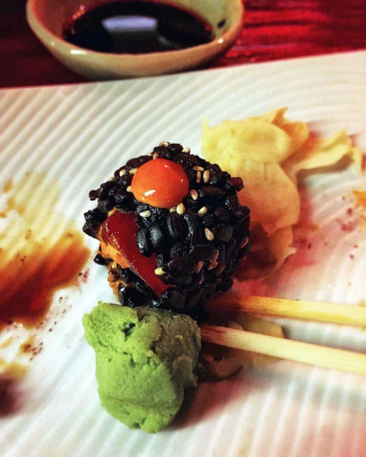 Αν είστε λάτρεις του sushi ελάτε στο Pasaji να ζήσετε το απόλυτο πιάτο. Black Rice Sushi σε 4 απίστευτους συνδυασμούς. Το μαύρο ρύζι είναι πλούσιο σε θρεπτική αξία και σπάνιο. Μην χάσετε αυτή την εμπειρία. #Pasaji #PasajiAthens #CityLink #Athens #Food #AthensFood #Restaurant #AthensRestaurant #FoodInAthens #RestaurantInAthens #LunchBreak #Athens #Sushi #BlackRice