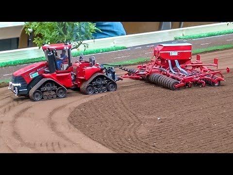 RC Tractor ACTION! Case, John Deere, Claas & Fendt at work!