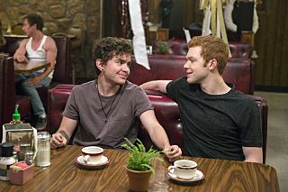 Elliot Fletcher as Trevor and Cameron Monaghan as Ian Gallagher in Shameless (Season 7, episode 4) - Photo: Patrick Wymore/SHOWTIME