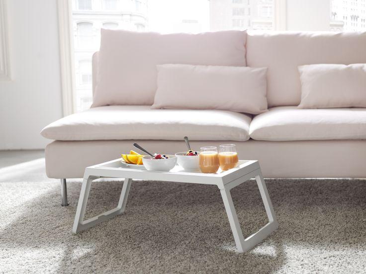 25 beste idee n over bed tafel op pinterest producten nachtkastje organisatie en bed caddy - Bed tafel ...